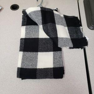 Black Checkered Blanket Scarf